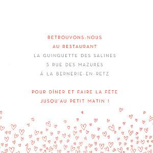 Carton d'invitation mariage rouge ronde de cœurs rouge