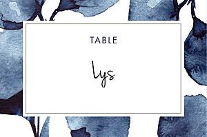 Marque-table mariage bleu ombres florales bleu